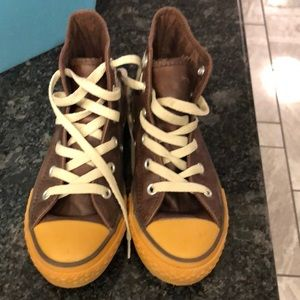 Leather converse boys size USA 13 youth